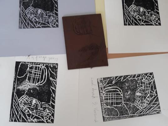 Kreative Linoldrucke in unserem Kunst Kurs