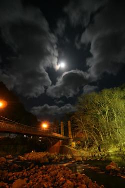 やまゆりの吊り橋夜景