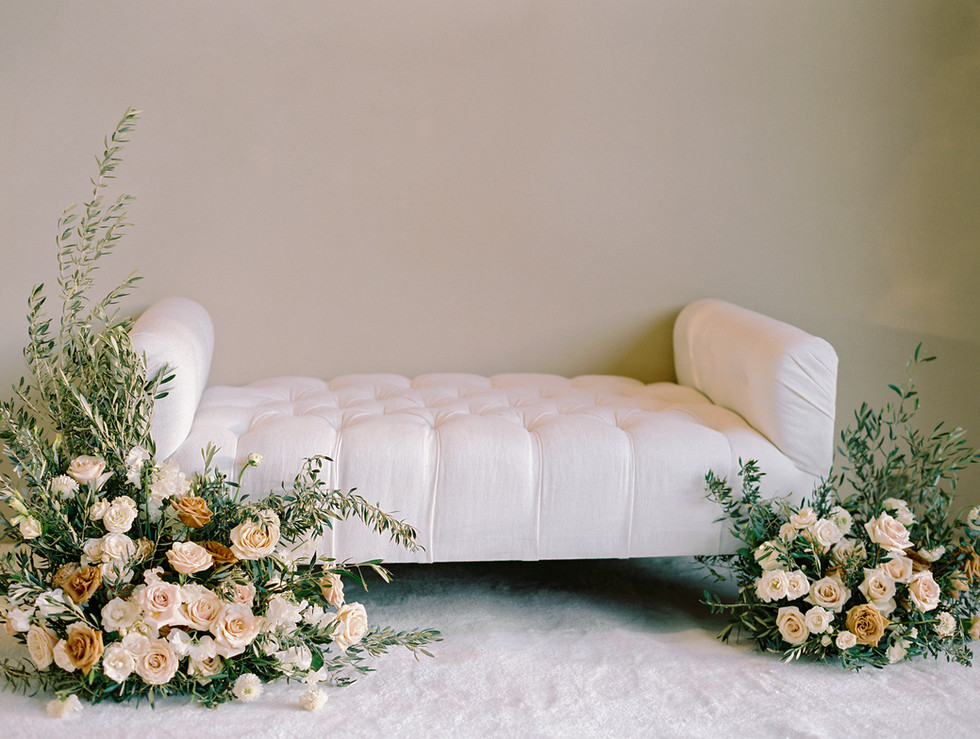 Toffee and creme floral for photo op seating decor. Photo: Gaby Jeter