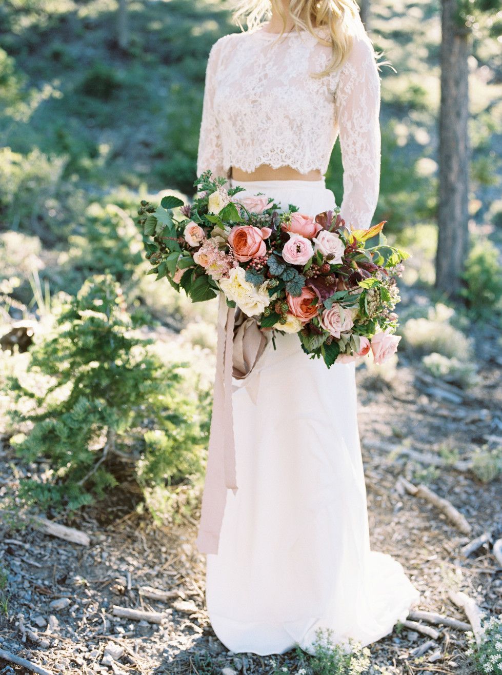 Rustic wedding bouquet with Romantic Antique roses, Patience garden roses, raspberries and garden greenery. Photo: Shannon Elizabeth