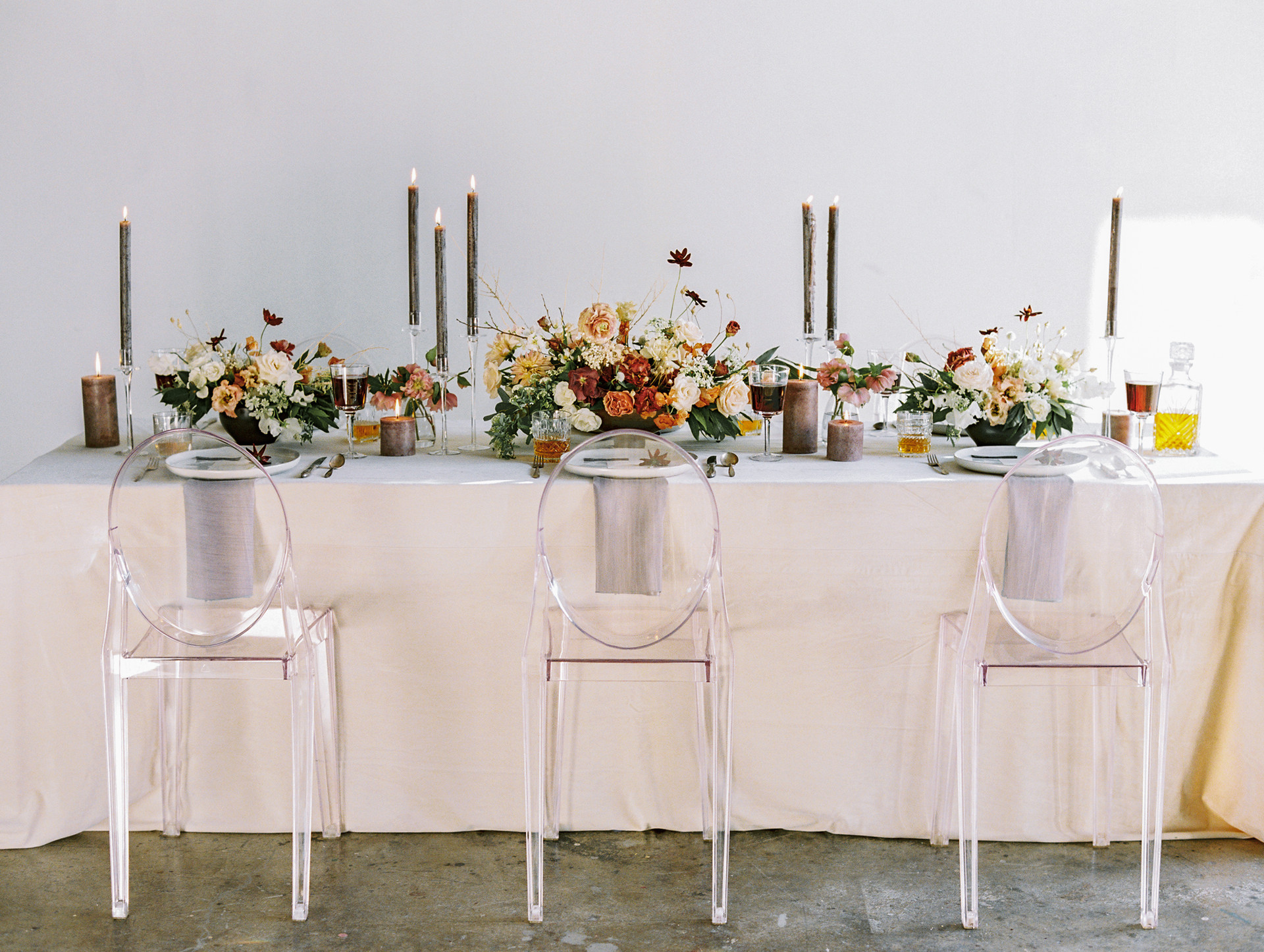 Organic and moody tablescape. Photo: Gaby Jeter