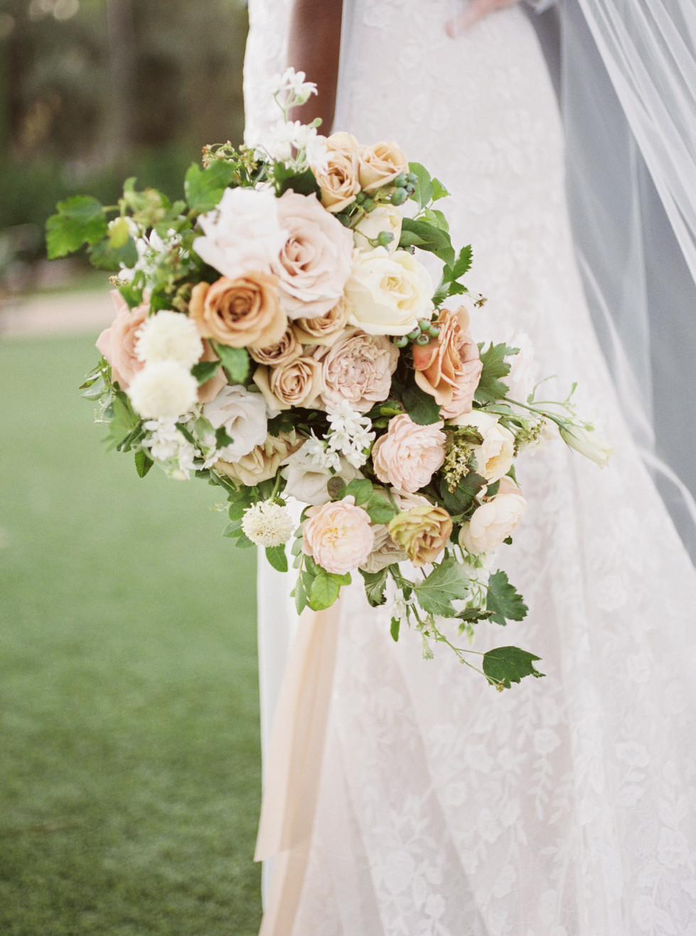 Honey, blush, and mustard bridal bouquet. Photo: Lianna Marie