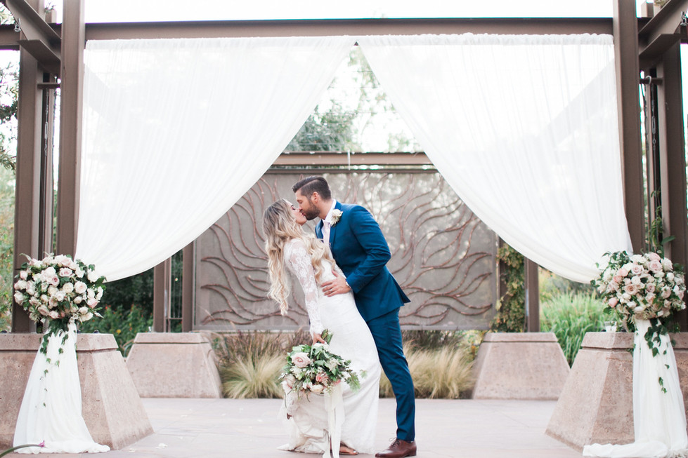Blush and white wedding at Springs Preserve, Las Vegas. Photo: Marie Claire