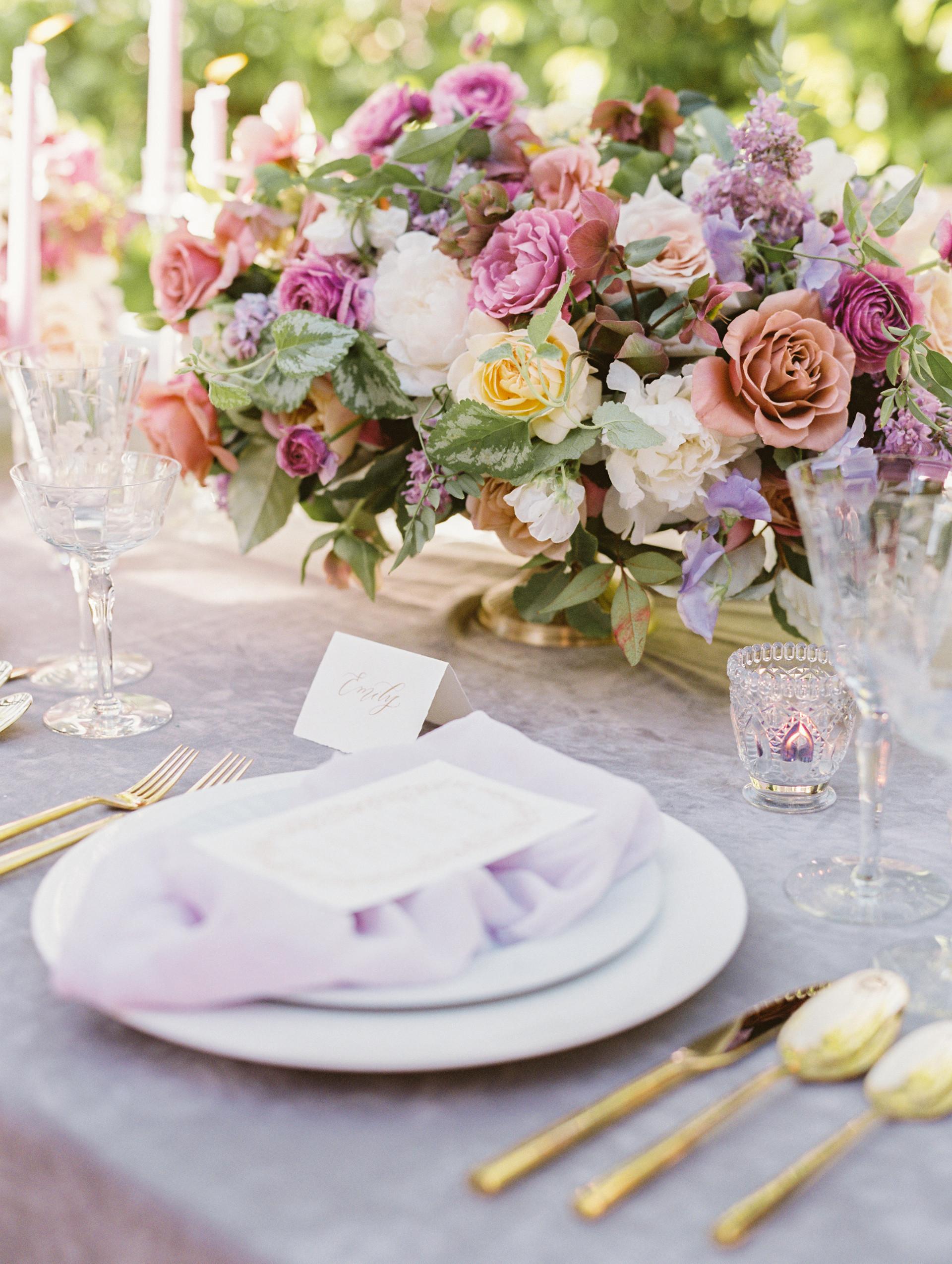 SPRING WEDDING CENTERPIECE. PHOTO: GABY JETER