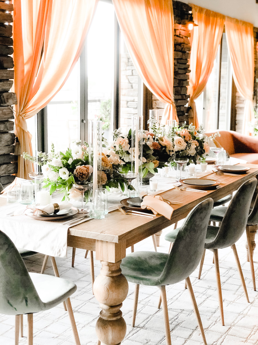 Mustard, rose, and blush wedding tablescape
