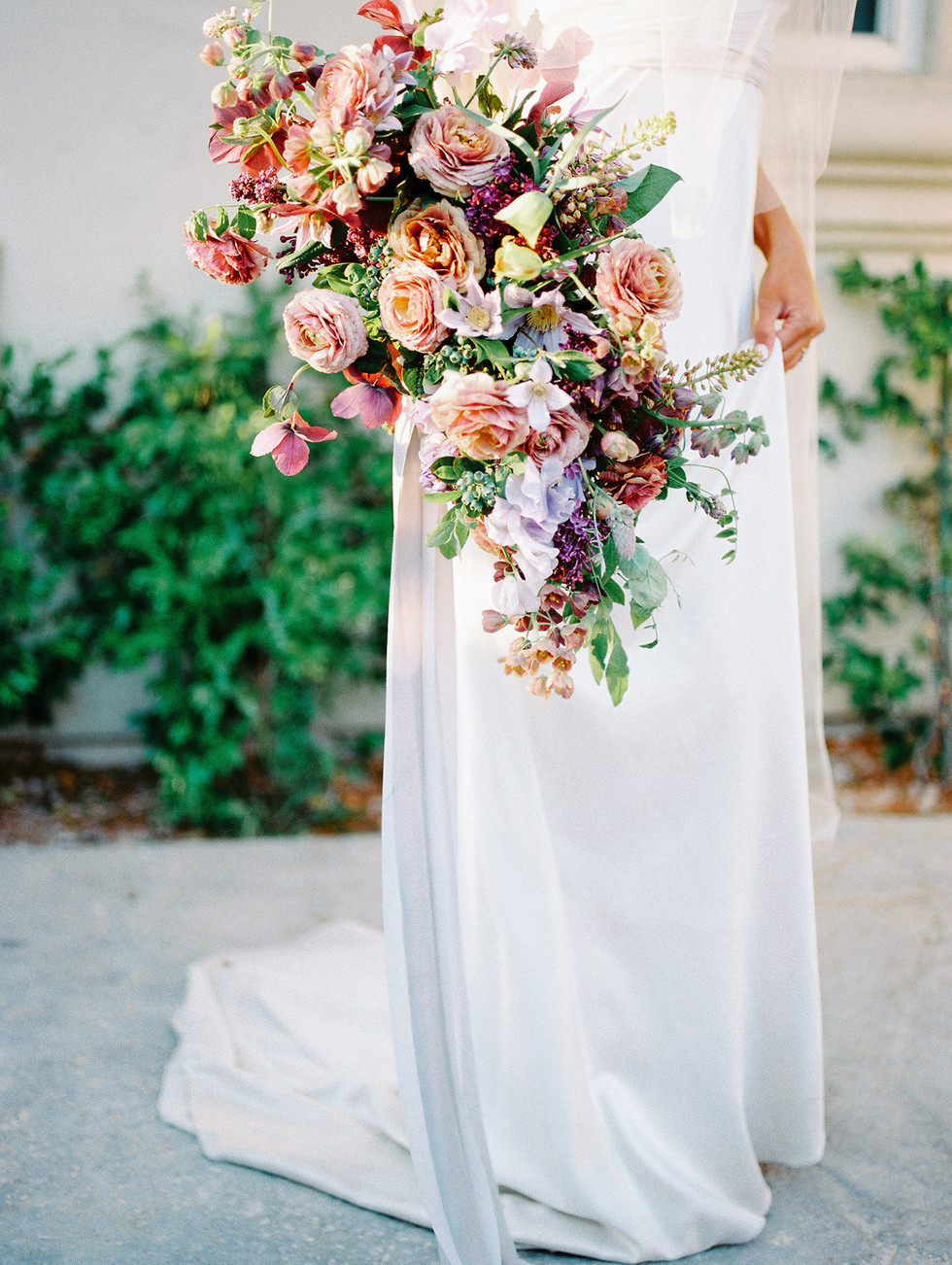 Bridal bouquet in shades of mauve, nude and plum. Photo: Shannon Elizabeth