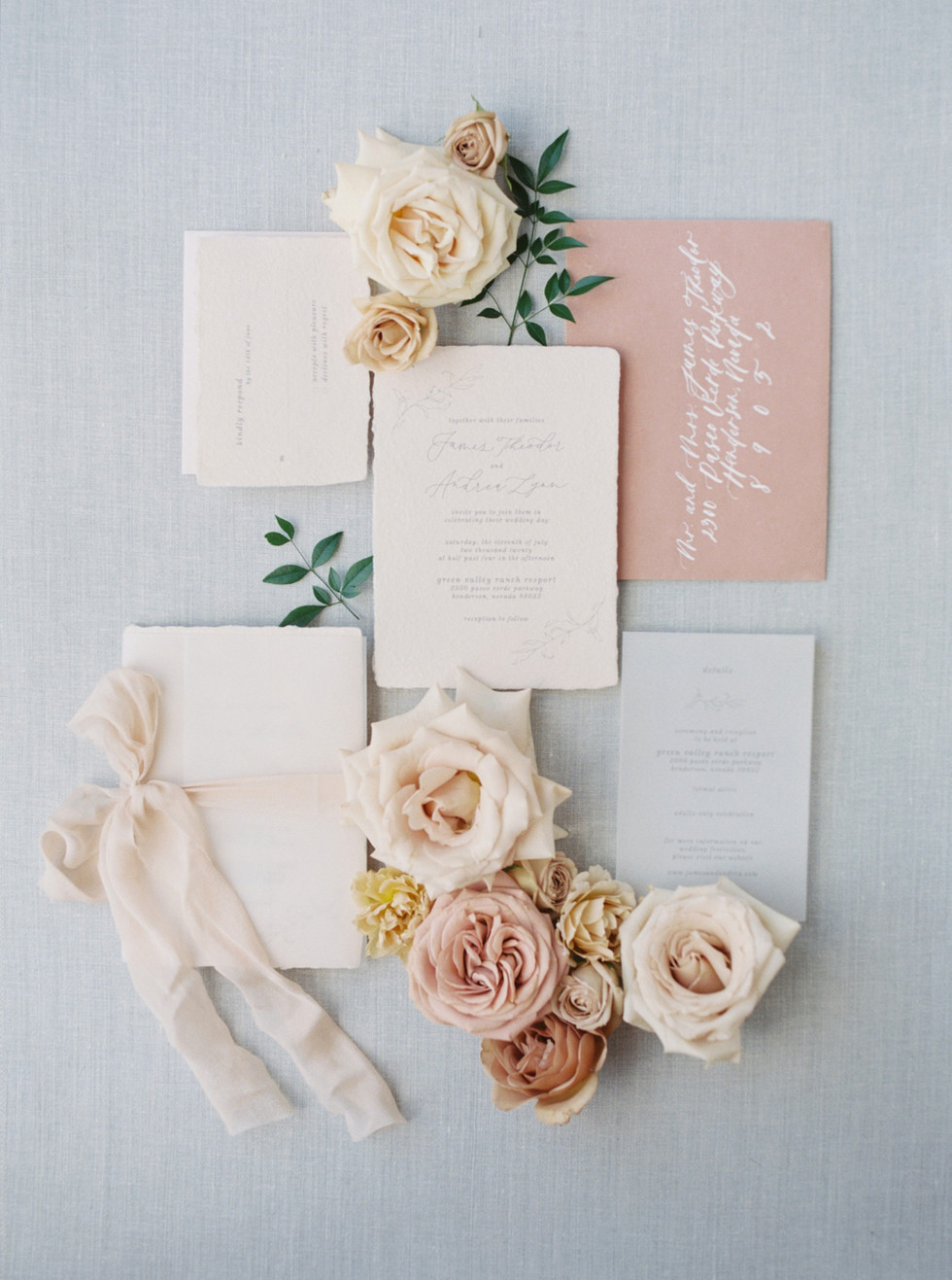 Dusty rose and honey styling blooms. Photo: Lianna Marie