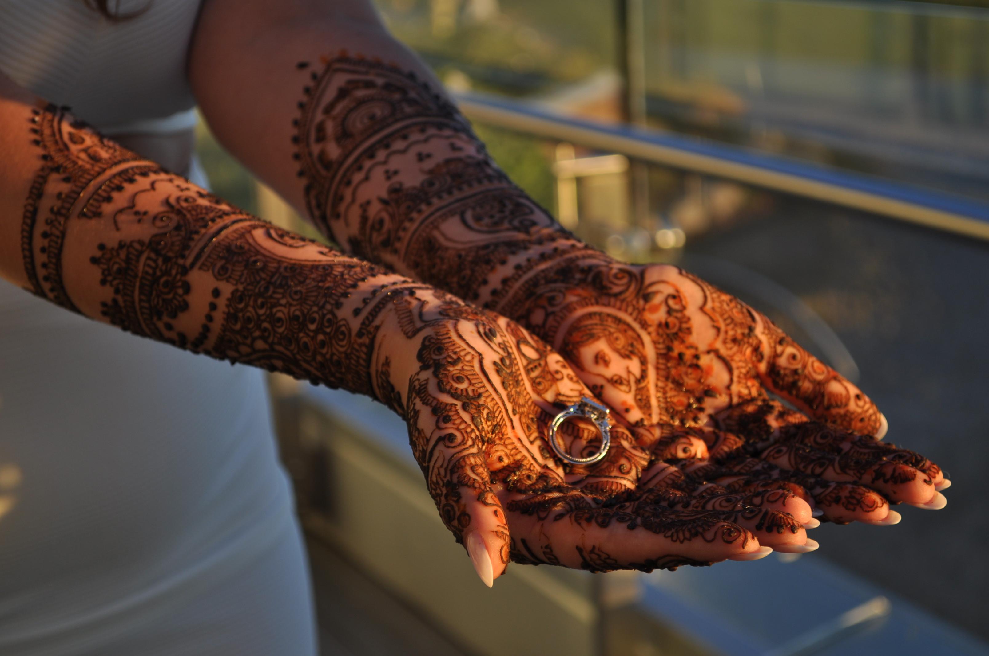 Bridal Mehndi that's fit for a Maharani!