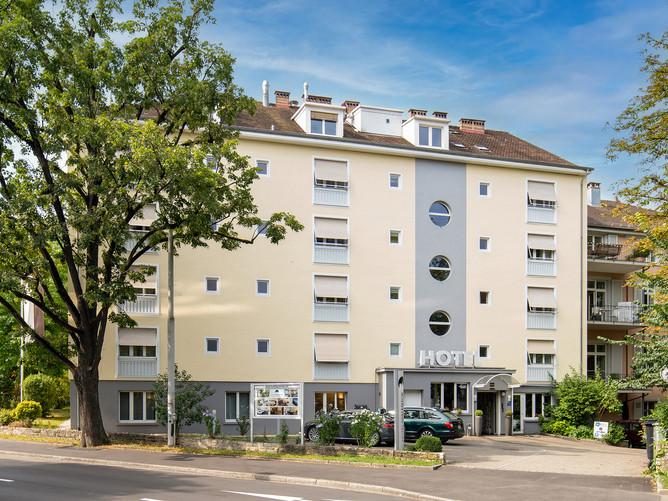 Hotel Spalentor Basel 008 Aussenansicht Hotel Haupteingang, exterior view hotel main entra
