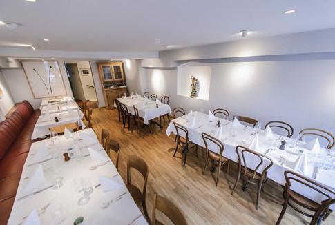 Restaurant zum Tell Basel_01.jpg