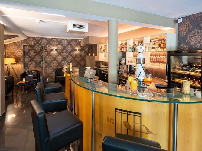 Hotel Spalentor Basel 501 Hotelbar hotel bar bar de l'hôtel bar dell hotel (0821) - 079.jp