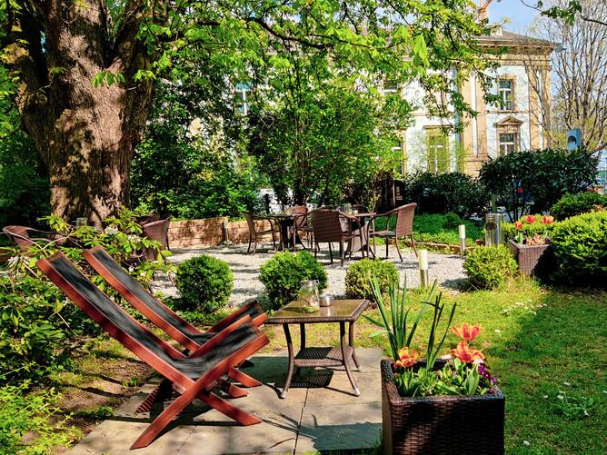 Hotel Spalentor Basel 003 Aussenbereich Hotelgarten exterior hotel garden extérieur hotel
