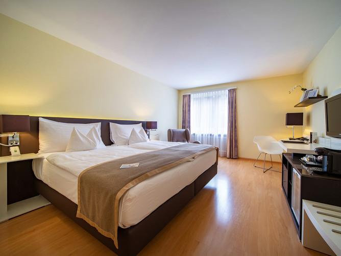 Hotel Spalentor Basel 007 Standard Doppelzimmer standard double room chambre double standa