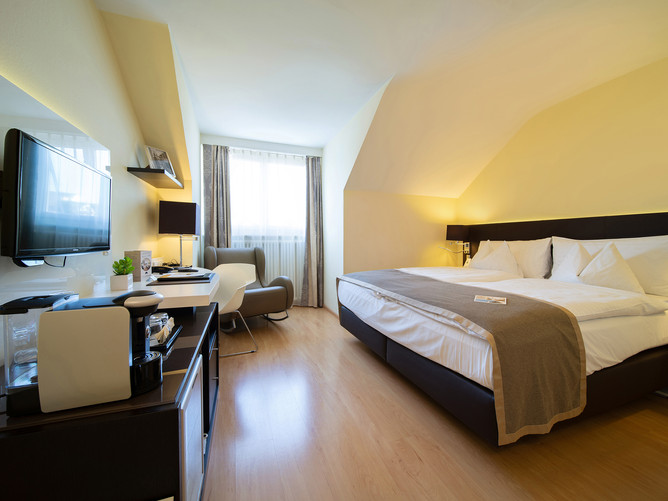Hotel Spalentor Basel 013 Standard Einzelzimmer standard single room chambre single standa