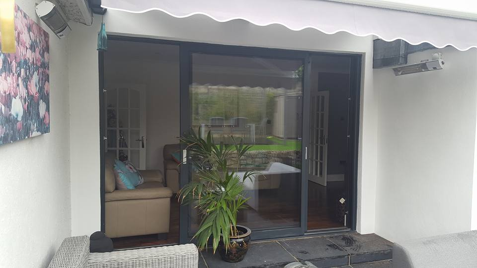 ALUMINIUM DOUBLE SLIDING DOOR