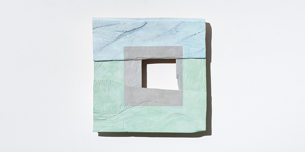 Small Grey Square, 2019, acrylic on wood, 42 x 42 cm