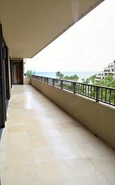 500 SQFT Balcony