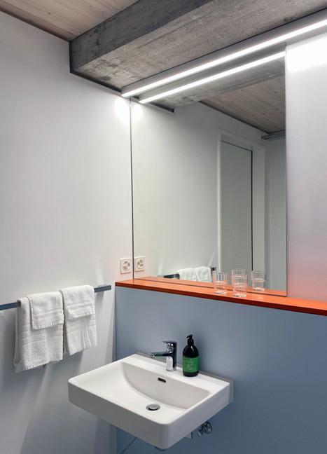 Bathroom_flat.jpg