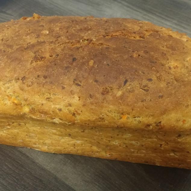 Möhren-Buttermilch-Brot