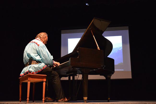 Emotivo concierto de piano con Romayne Wheeler