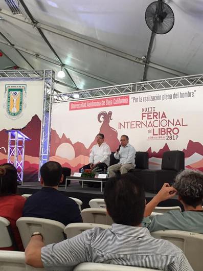 Presentan periodismo de investigación en la FILUABC