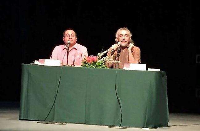 "Témoris Grecko presentó ""Ayotzinapa, mentira histórica"""