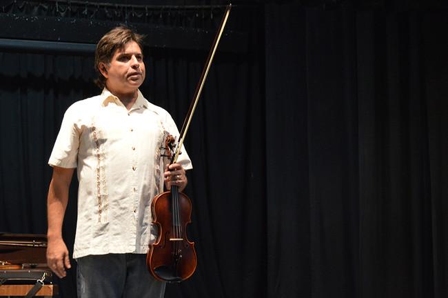 Inician en Cetys curso de máster class de violín y viola