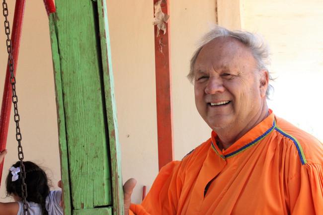 Romayne Wheeler lleva mensaje de esperanza a cachanillas de 'La Ladrillera'