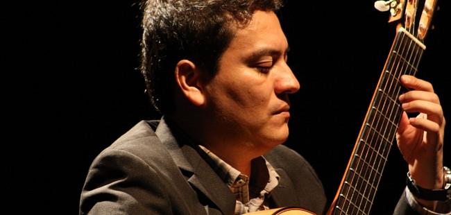 Francisco Bibriesca ofrecerá charla y recital