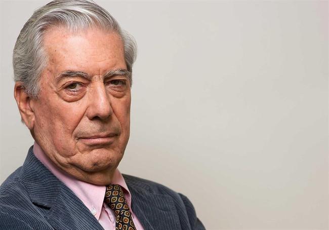 Mario Vargas Llosa el sobreviviente del 'boom' latinoamericano, es el Imprescindible de esta semana