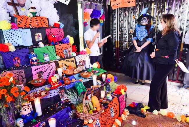 Albergue temporal de DIF BC realizó concurso de altar de muertos