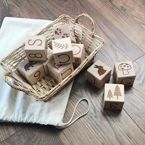 WOODLAND WOODEN PLAY BUILD AND STACK BLOCKS