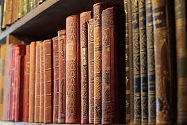 books-4515917_1920-1350x900.jpg