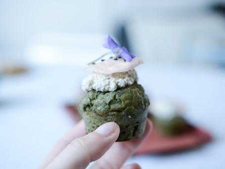 - Recette - Moelleux aux orties, topping ricotta de tournesol et pickles de radis
