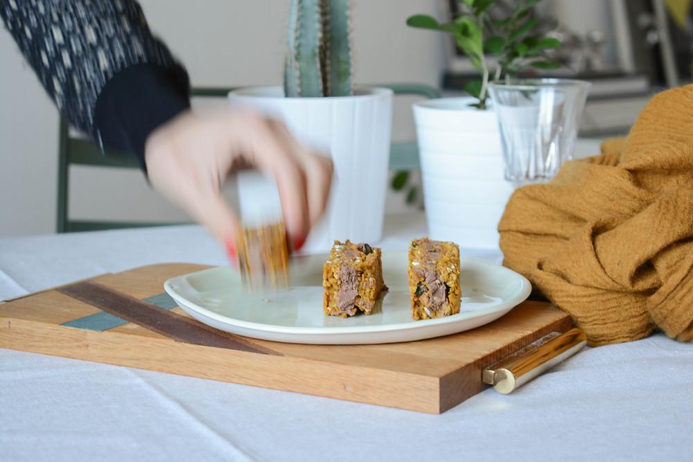 Barre vegan céréales, courge et chocolat - Primesautier Traiteur