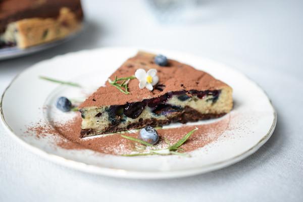 Gâteau vegan | cacao, caroube, romarin | Primesautier traiteur vegan