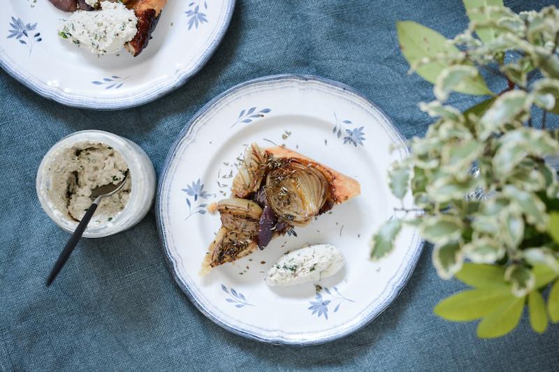Tatin oignons balsamique - ricotta végétale de tournesol | Primesautier