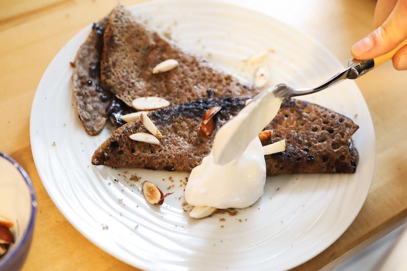 Recette galette vegan au chocolat et chantilly végétal | Primesautier Traiteur Vegan