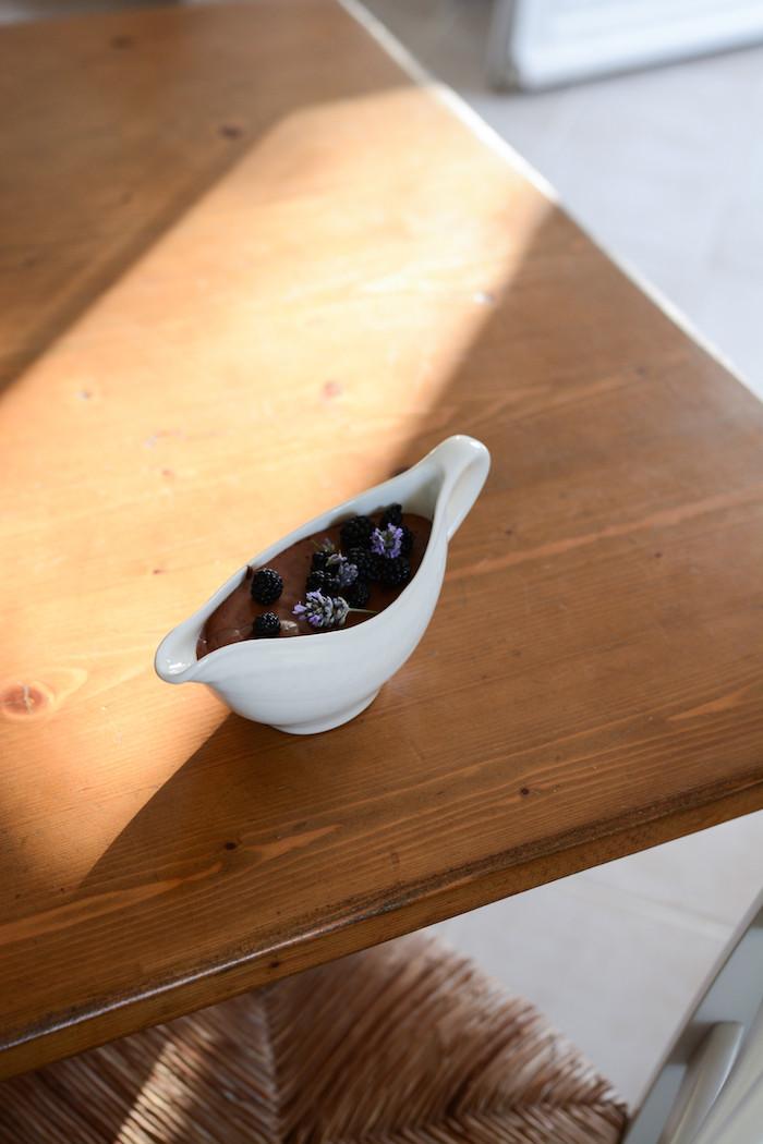Recette mousse chocolat vegan à la lavande [ Aquafaba ] | Primesautier Traiteur Végétal