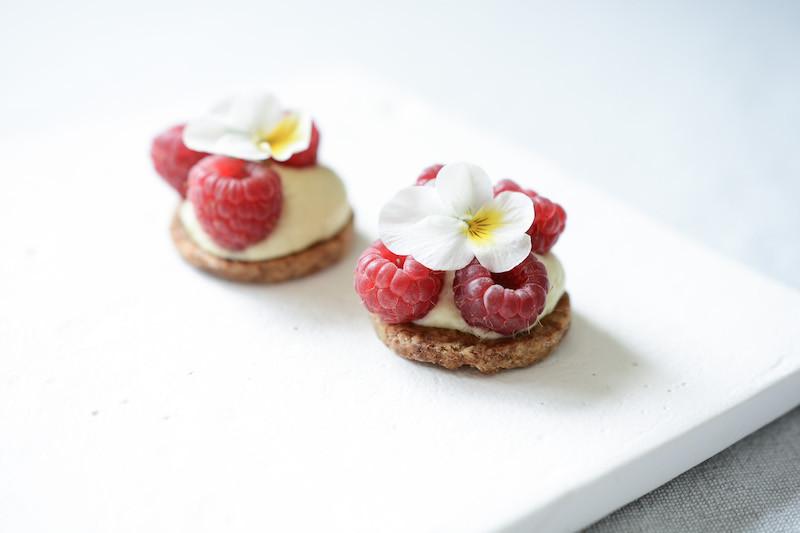 Tartelettes aux framboises vegan | Primesautier Traiteur