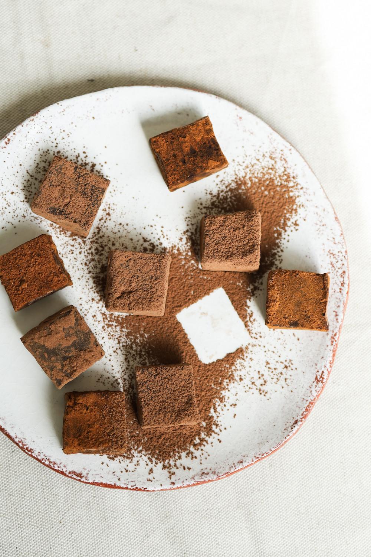 Recette truffes vegan superfood et chocolat | Primesautier traiteur Nantes