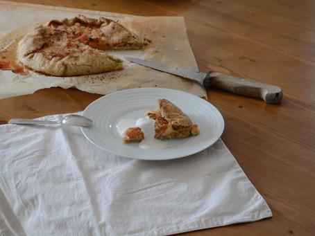 - Recette - Tarte rustique aux abricots, amandes et rhum brun