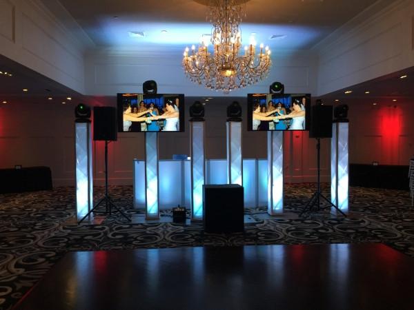 escenografia montaje DJ premium luces cabezas moviles