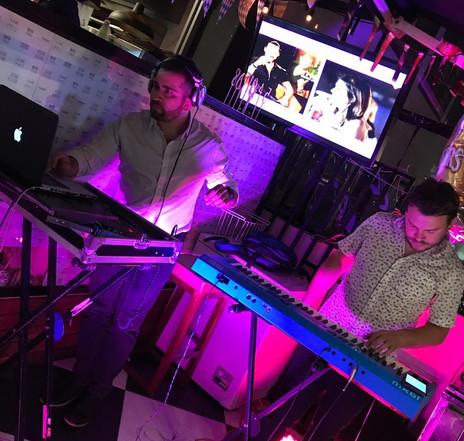 DJ set live act