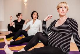 Pregnancy-Yoga-With-Gillian-Merrett-Holmes©Emilie-Sandy-Photography-2017-33.jpg