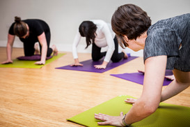 Pregnancy-Yoga-With-Gillian-Merrett-Holmes©Emilie-Sandy-Photography-2017-2.jpg