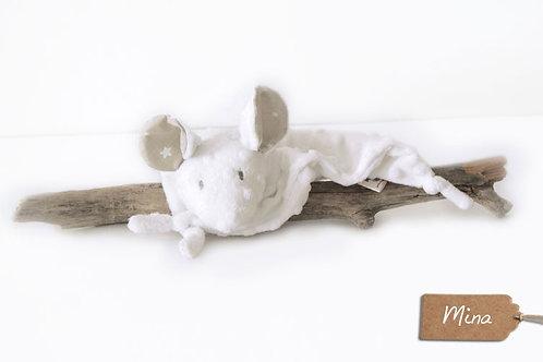 Doudou Mina la souris blanche