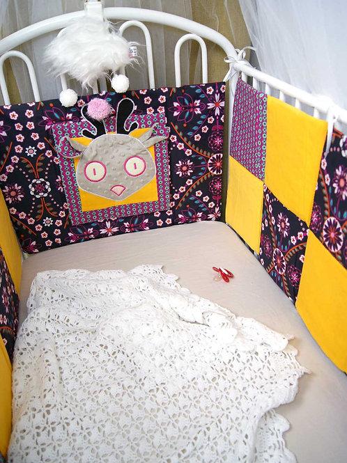 Tour de lit fleur rose pour bébé
