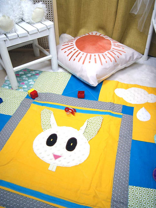 Tapis de jeu lapin pour bébé