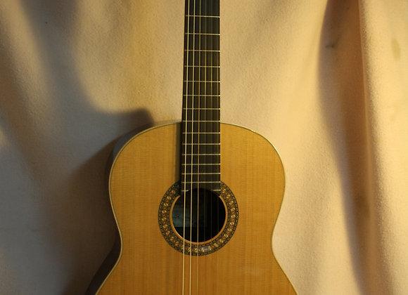 ALFREDO GONZALEZ- P1 גיטרה אלפרדו גונזלס דגם
